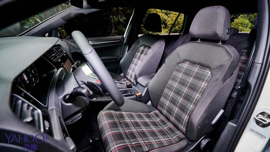 純粹駕馭的經典傳承!5代目視角下的2019 Volkswagen Golf GTi Performance Pure試駕 - 12
