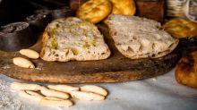 A cada plato, su pan