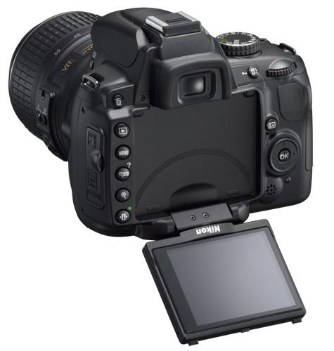 Nikon D5000 articulates its way into reality