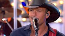 Tim McGraw Performs 'Shotgun Rider' Live