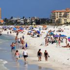 Coronavirus: Florida issues stay-at-home order after spring breakers ignore social distancing guidelines and party on beaches