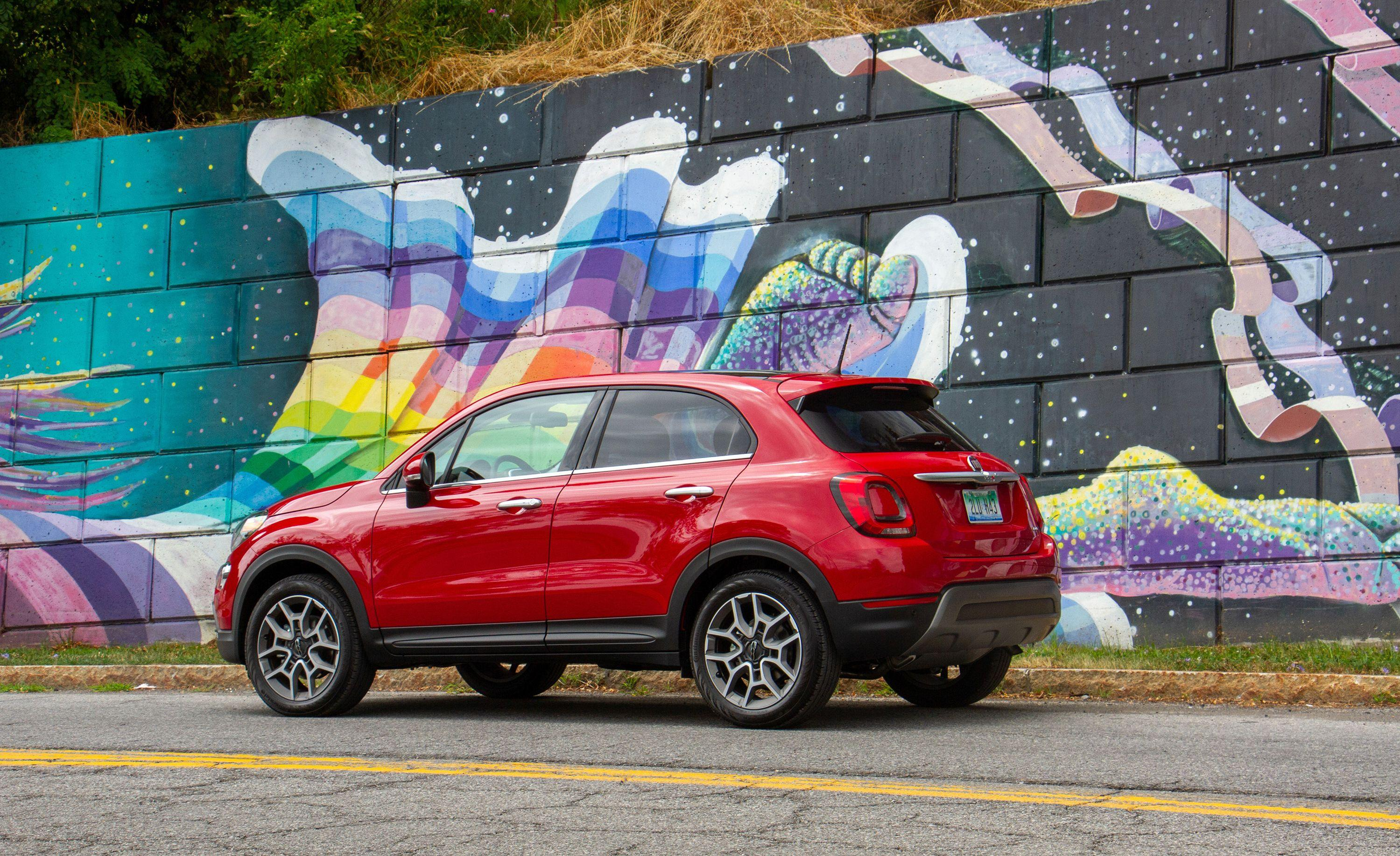 View Photos of the 2019 Fiat 500X