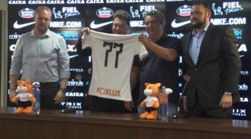 Corinthians anuncia patrocinador e projeta R$ 100 milhões com a camisa