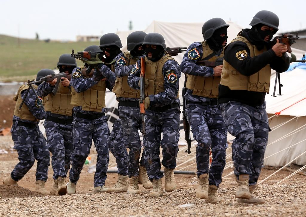 Iraqi troops take part in training camp in preparation for their assault on the northern city of Mosul, on January 10, 2015 (AFP Photo/Safin Hamed)