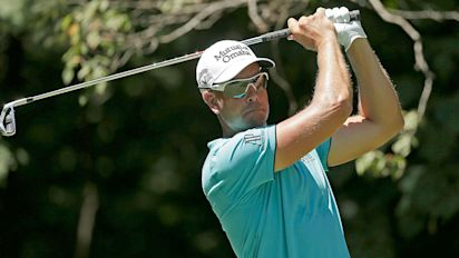 Stenson grabs 54-hole lead at Wyndham