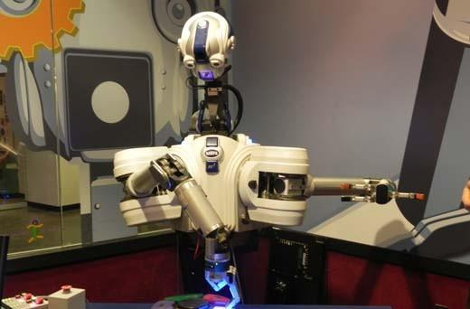 Smithsonian's Spark!Lab gives big ups to robots