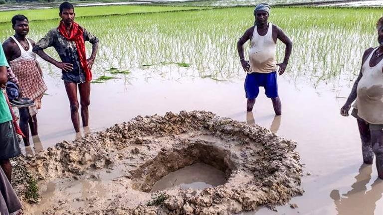 Farmers shocked as suspected meteorite crashes in rice field in Bihar