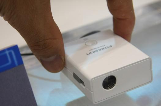 Foxconn showcases tiny PD-W1001 DLP projector
