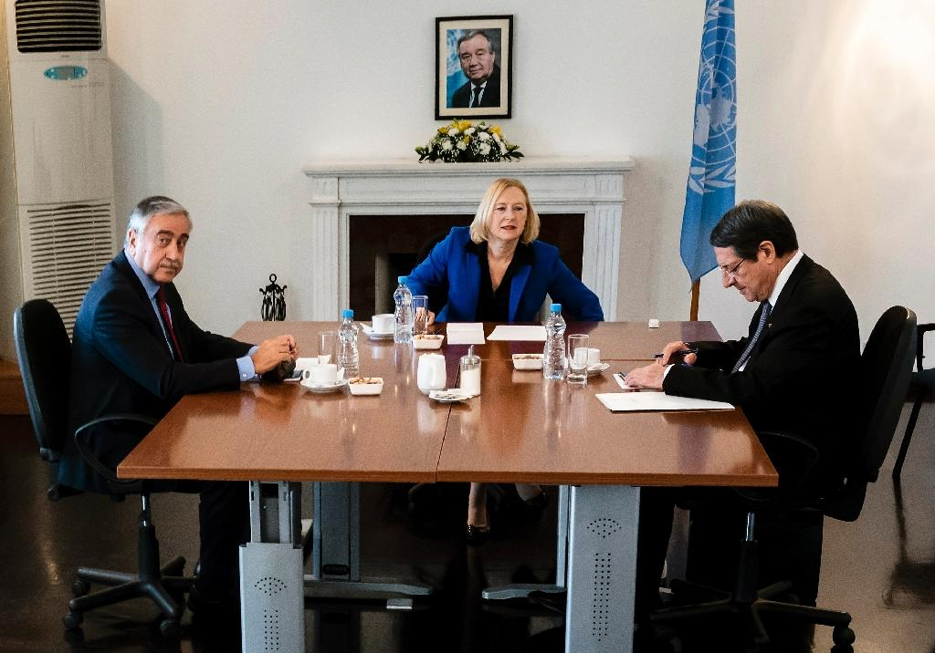 Rival leaders agree to open new crossings over Cyprus divide