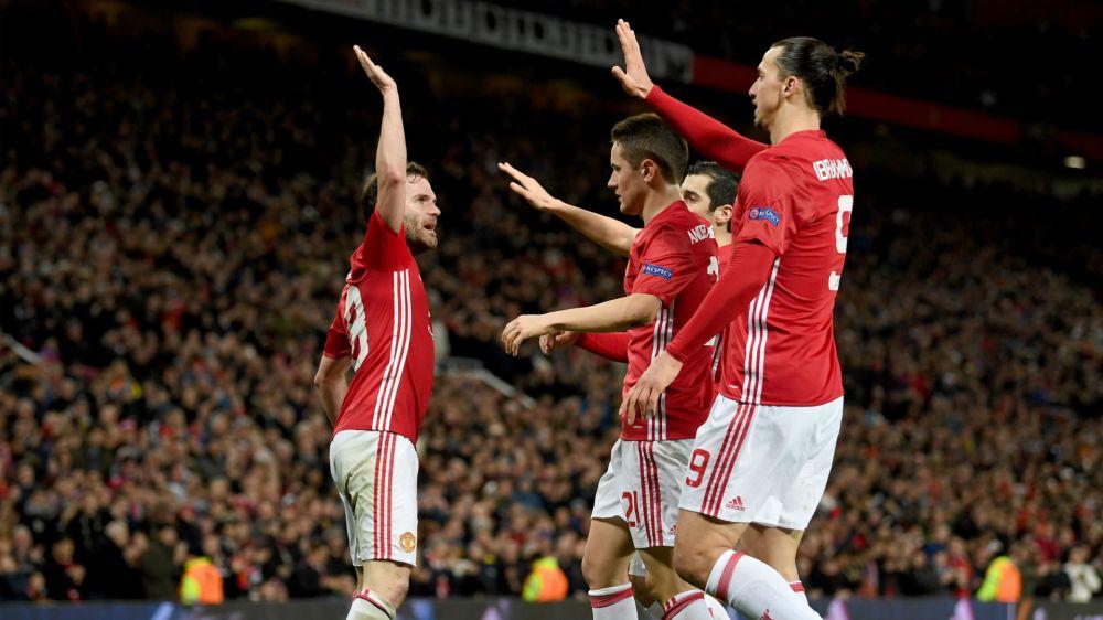Manchester United está en cuartos gracias a Chiquito