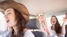 Las 5 canciones preferidas para viajar en coche, según una encuesta