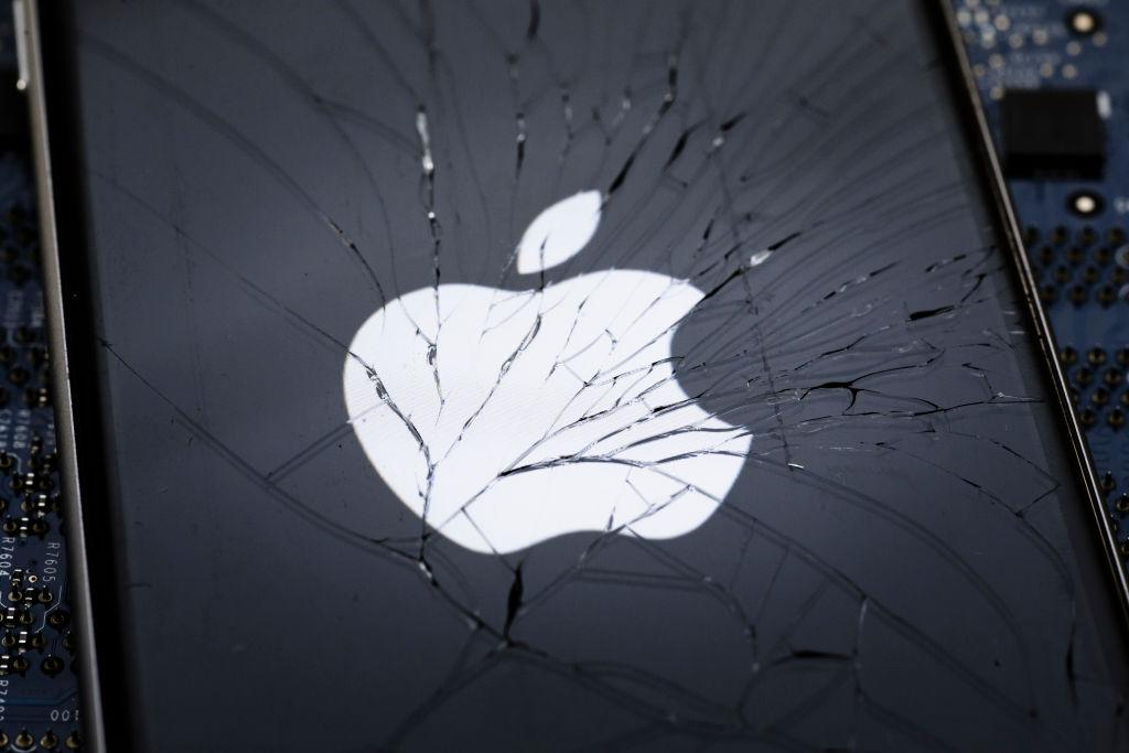 You could soon get your iPhone fixed without Apple waiving your warranty