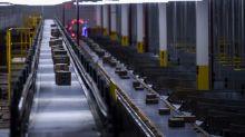 Amazon: robot imballeranno i pacchi, ma pensiamo all'occupazione