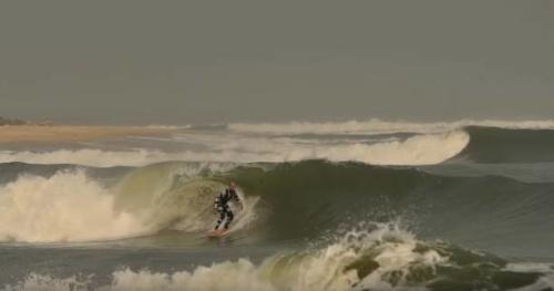 Surf - Lost in the swell : du vélo, du surf et de la pêche au Gabon