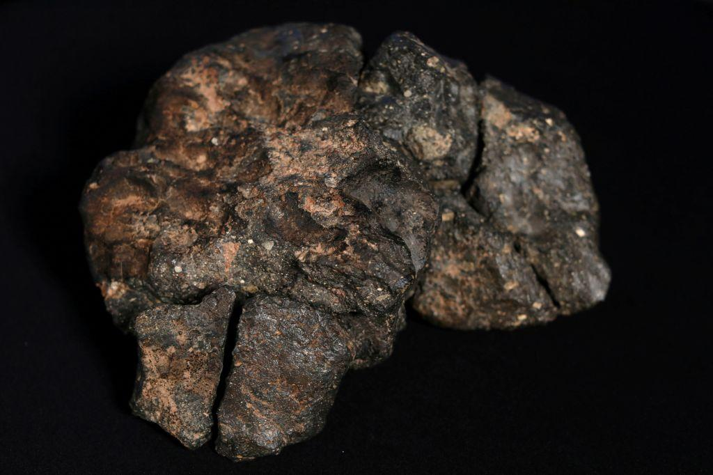 Scientists now have evidence a large platinum-dense meteorite hit the earth 12,800 years ago