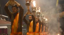 10 stunning photos of Varanasi as seen from a boat on the Ganga