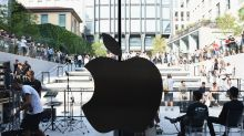 Apple's stock flirts with bear market after Guggenheim cuts rating, earnings outlook