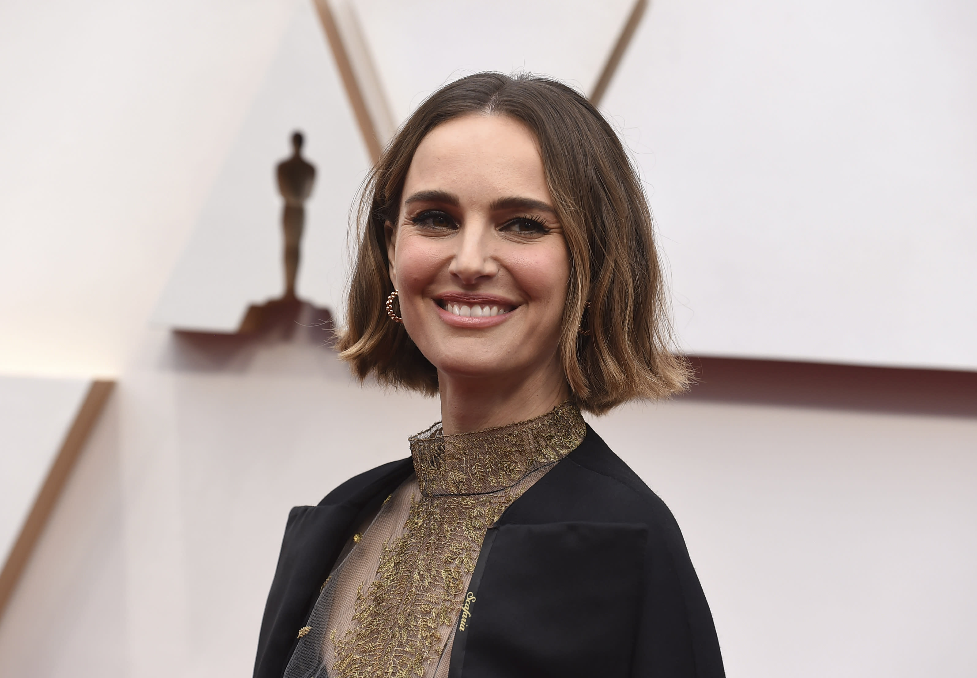 Rose McGowan slams Natalie Portman's 'snubbed female directors' outfit for the Oscars