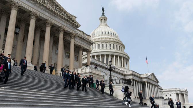 Do the CPAs in Congress do their own taxes?