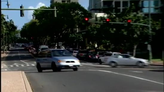 Unattended Package shuts down parts of Waikiki, scares people