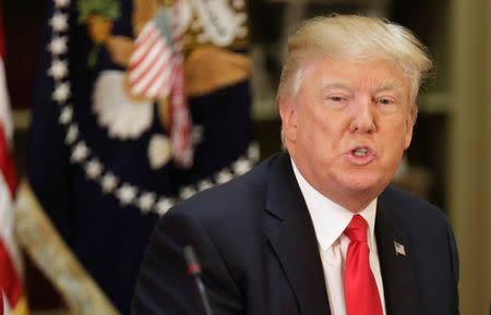 Trump reitera su promesa de reformar la regulación de Wall Street