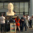 6-foot statue of George Floyd unveiled in Brooklyn