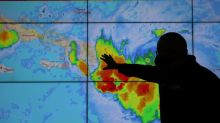 Miles evacuan mientras tormentas Marco y Laura avanzan a Golfo de México