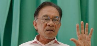 Anwar: PKR MP duo lured to leave