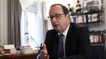 Montreuil: François Hollande exfiltré d'une librairie après avoir été pris à partie par des opposants