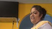 La invaluable reacción de una mamá mexicana al ver la receta de pozole de Rachel Ray