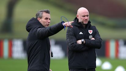 Albert Stuivenberg steps down from Wales role to focus on Arsenal