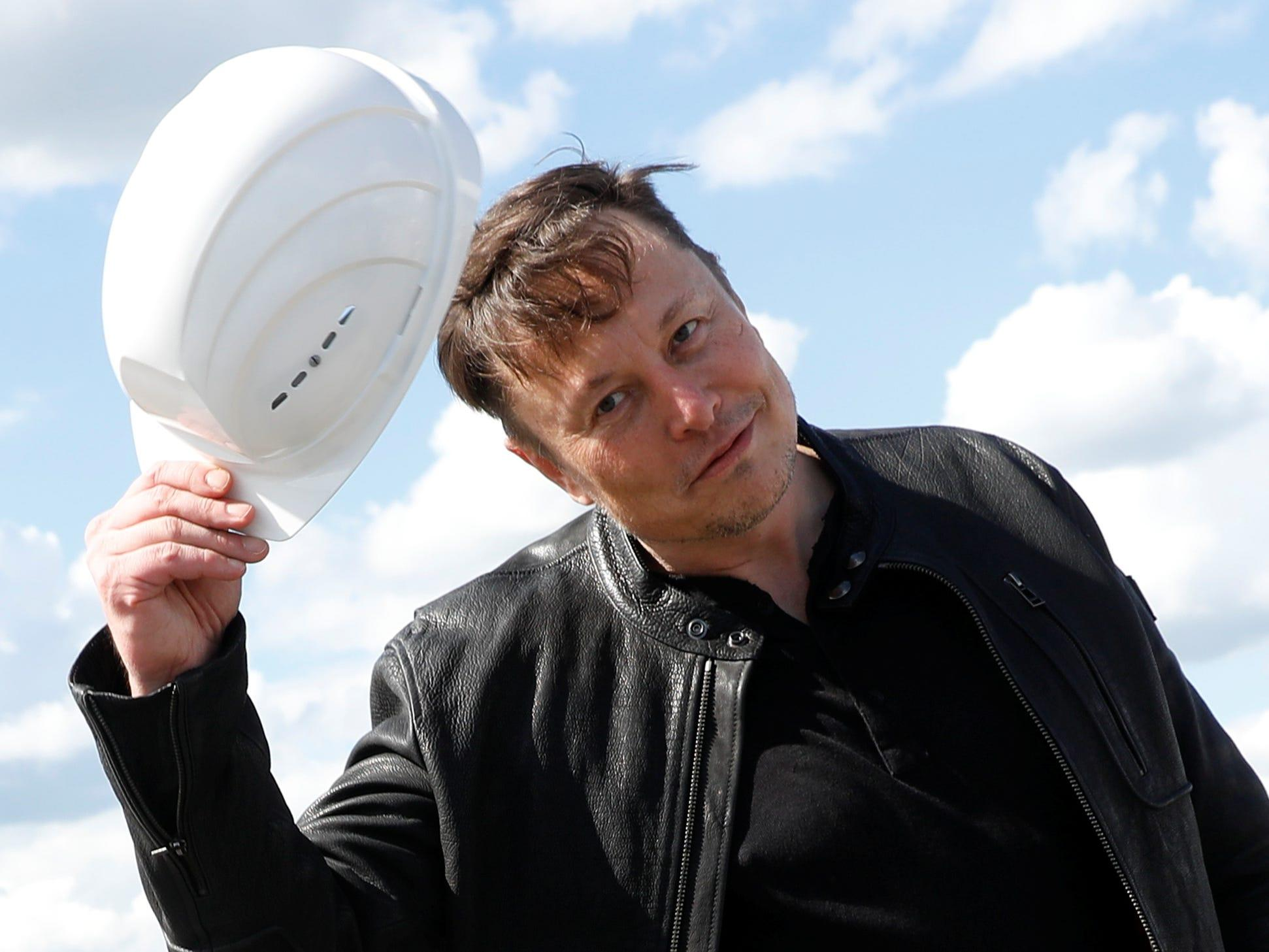 Elon Musk's Starlink satellite internet is acquiring a license to provide blanket coverage to Britain, the Telegraph says