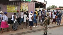 Confinement en Afrique du Sud : police et armée accusées d'abus de pouvoir