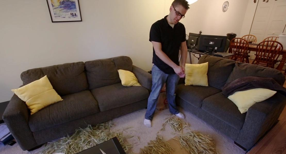 """<p>Without a barn or field or… house. George had to dry wheat on his living room floor. (<i>Photo: <a href=""""http://www.makeeverything.tv/"""" rel=""""nofollow noopener"""" target=""""_blank"""" data-ylk=""""slk:How to Make Everything"""" class=""""link rapid-noclick-resp"""">How to Make Everything</a>)</i> </p>"""