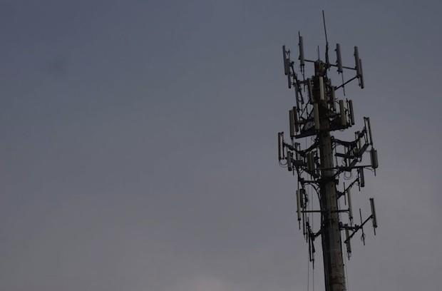 Hurricane Sandy has knocked out 25 percent of all cell towers, cable services in 10 states