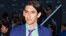 Max Landis, el guionista acusado de abusos sexuales regresa a las redes ofreciendo sus servicios
