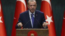 """La Turquie s'insurge contre une caricature moquant Erdogan en une de """"Charlie Hebdo"""""""