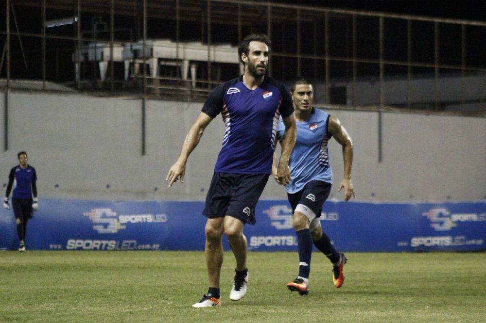 Roberto Nanni anuncia su retiro del fútbol