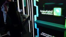 Petrolera saudí Aramco obtiene USD 25.600 millones en oferta inicial de acciones (fuentes)