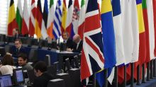 UK Brexit committee suggests delay in leaving EU