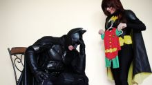 Batman-loving couple gets creative with super hero-themed pregnancy announcement