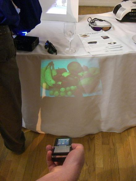 Hands-on with Texas Instruments' cellphone projector