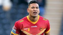 Israel Folau refuses to take a knee as the only player left standing before St Helens vs Catalans Dragons