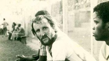 L'histoire du premier footballeur blanc à avoir joué en Afrique noire