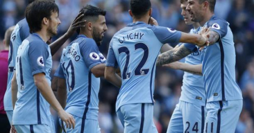 Foot - ANG - Manchester City assure face à Hull, Liverpool renversant à Stoke