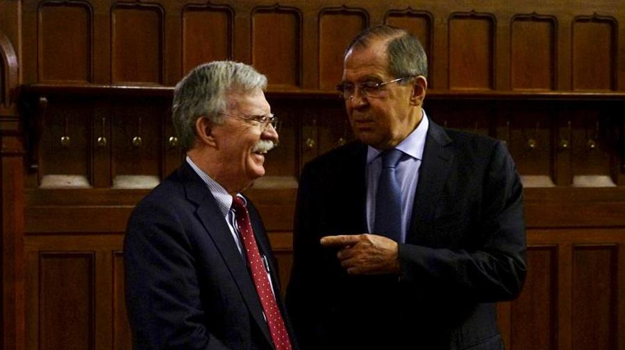 Il consigliere USA Bolton a Mosca per trattare sulle armi a medio raggio