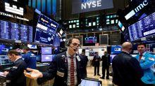 Wall Street opera mixto a media sesión y el Dow Jones baja un 0,74 %