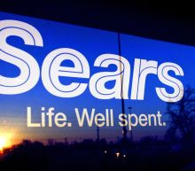 Sears' biggest shareholder offers to buy Kenmore brand
