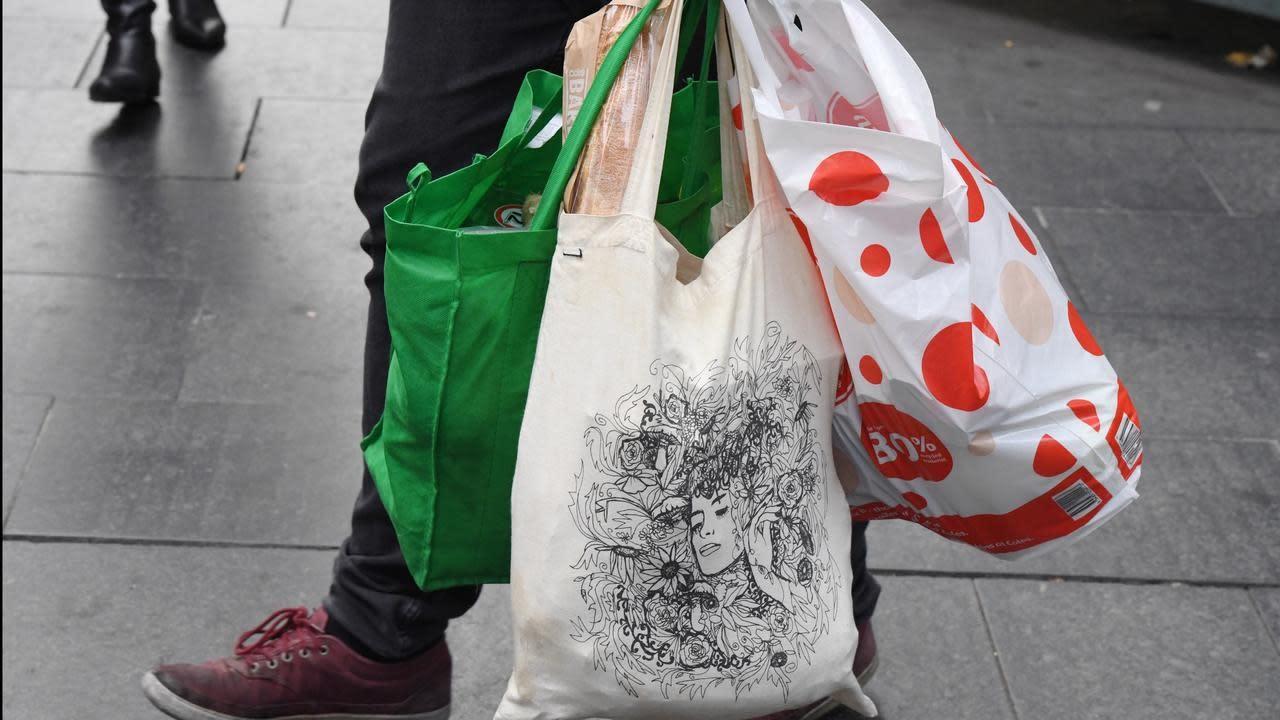 victoria moves to ban plastic bags. Black Bedroom Furniture Sets. Home Design Ideas