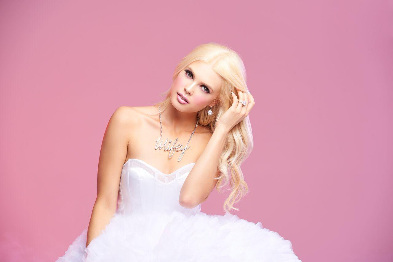 Betsey Johnson is now adding super cute wedding jewelry to her ...